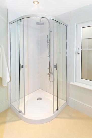 שיפוץ הבית, מקלחונים , זכוכיות למקלחונים
